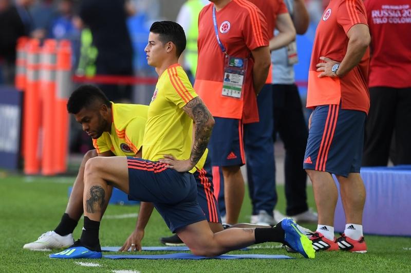 James Rodríguez não tem lesão séria, mas ainda preocupa