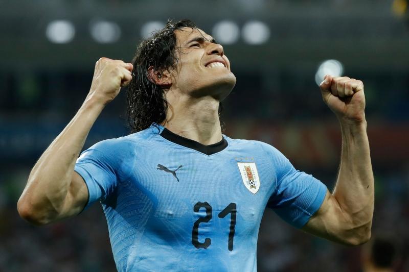 Jogador uruguaio está sem time desde o final do contrato com o Paris Saint-Germain, em junho
