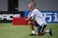 França faz mistério sobre substituto de Matuidi