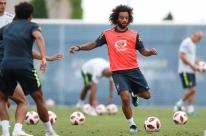 Marcelo e Douglas Costa estão de volta
