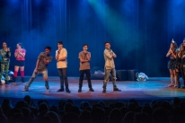 Espetáculo Adolescer volta a cartaz no Teatro da Amrigs