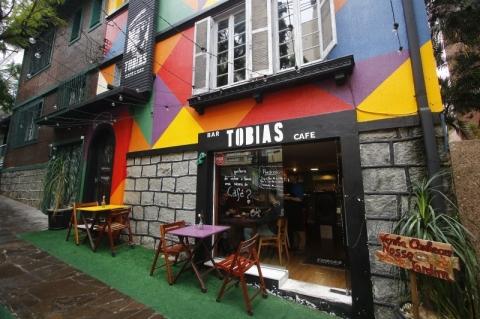Tobias mistura arte, café e opções gastronômicas