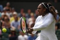 Serena Williams atropela russa e vence sua partida de número 90 em Wimbledon