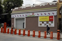 Dia abre em ponto onde funcionou videolocadora em Porto Alegre