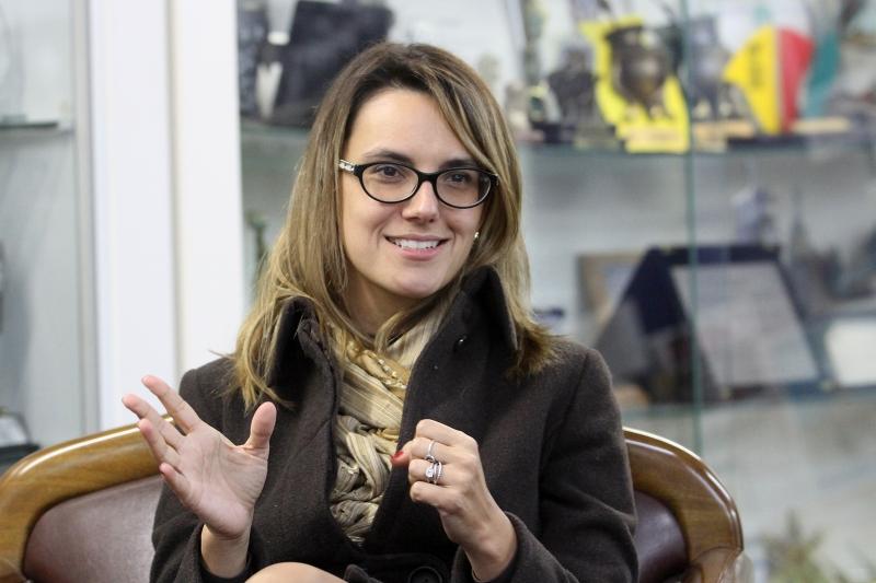 Carolina Hostyn Gralha assumiu a presidência em 15 de junho