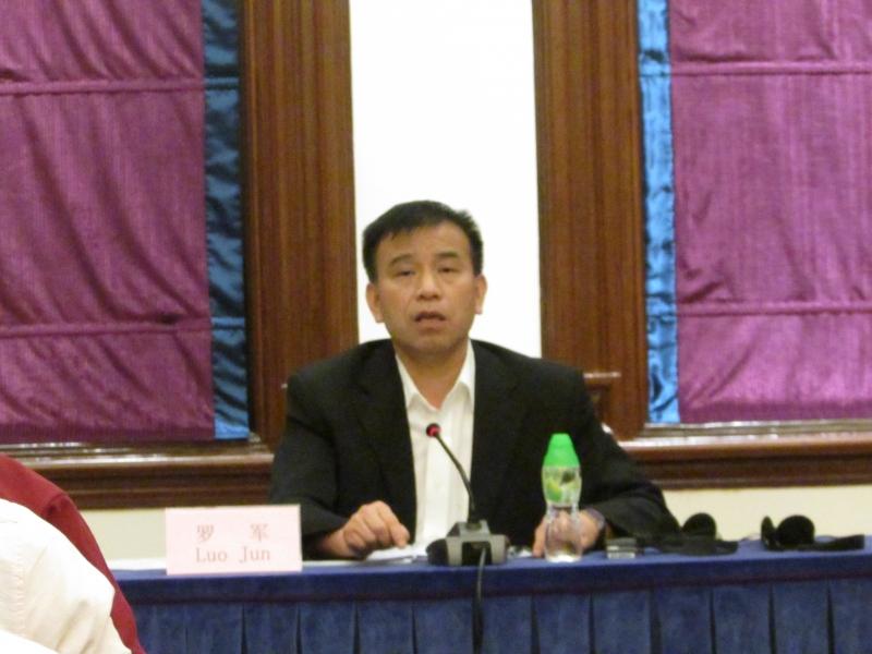 Luo Jun explica que produção de baixa qualidade existe porque há demanda de importadores