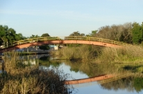 Uma ponte perto demais