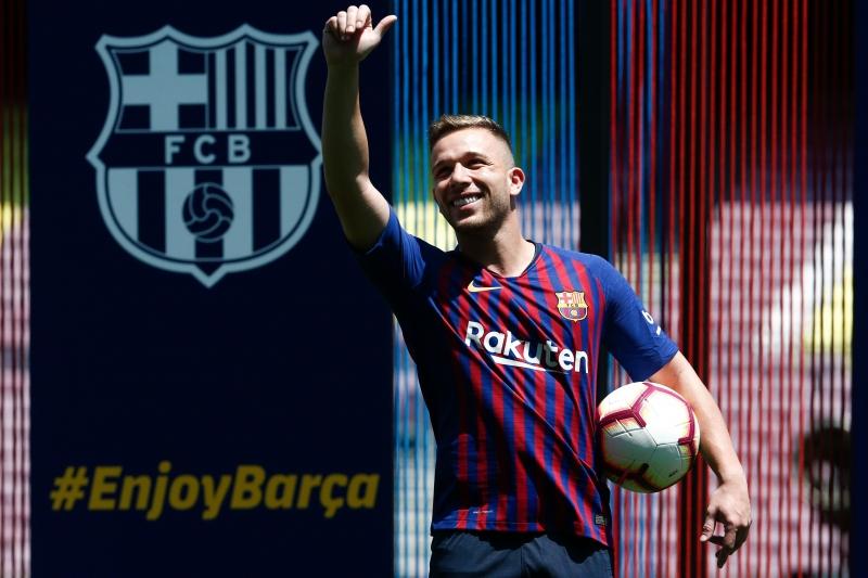 """Meio-campista de 23 anos disse estar """"100% focado"""" no Barcelona"""