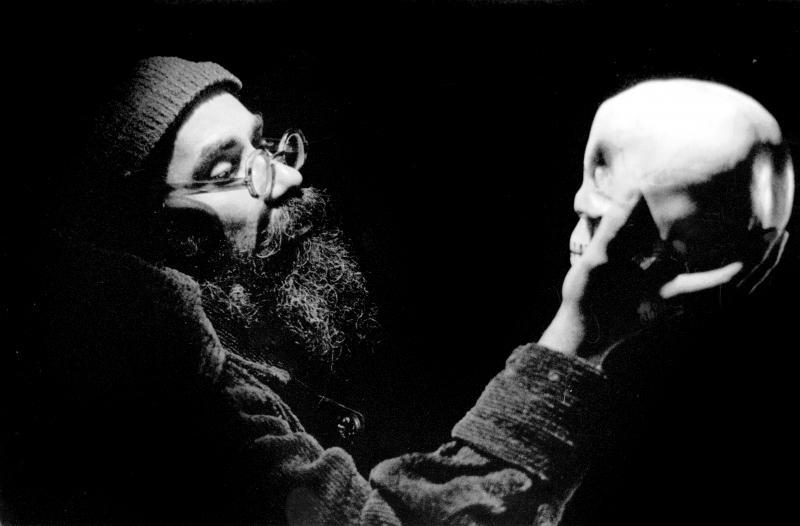 Paulo Flores em O nascimento do doutor Fausto, de acordo com o espírito de nosso tempo (1994)