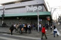 Lojistas protestam contra o fechamento do Hipo Fábricas