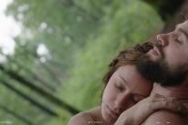Filme brasileiro acompanha a trajetória de um casal ao longo de uma década