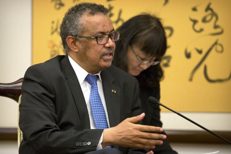 'A melhor forma de abordar todas as necessidades é por meio de sistemas de saúde fortes', diz diretor da OMS