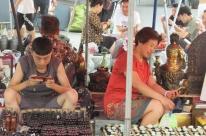 Um dia de compras no maior mercado de pulgas de Pequim