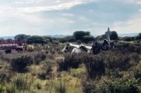 Os 103 ocupantes do avião que caiu no México estão vivos, diz companhia aérea