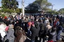 Professores de Porto Alegre denunciam falta de pessoal em escolas municipais; Smed rebate
