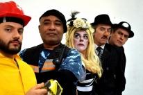 Cia In.Co.Mo.De-Te comemora dez anos de palco com espetáculos no Theatro São Pedro