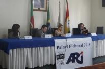 Candidatos de esquerda Júlio Flores e Roberto Robaina abrem o primeiro dia do Painel Eleitoral ARI