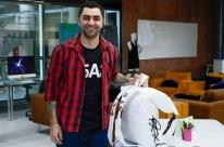 Estudante de design cria mochila multifuncional para refugiados