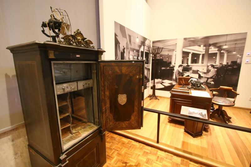 O cofre Berta, de oito toneladas, hoje exposto no Museu Banrisul, é desta época
