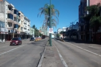 Após morte de ciclista, movimento quer fechar corredor de ônibus aos domingos