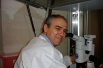 Doutor em Fisiologia da Reprodução estuda estresse em vacas leiteiras