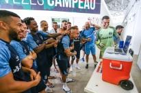 Grêmio fecha preparação para pegar Corinthians; elenco saúda Everton e Kannemann