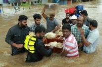 Piores enchentes em um século em estado indiano matam mais de 300 pessoas