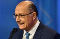 'Não sei quem vai conosco para o 2º turno, mas estaremos firmes lá', diz Alckmin