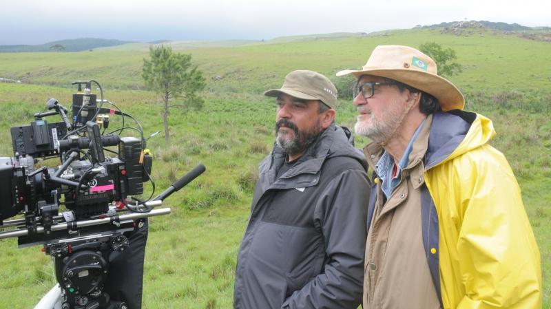 Alexandre Berra, diretor de fotografia, e Ruas nas filmagens do longa