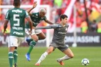 Defesas se sobressaem e confronto entre Internacional e Palmeiras fica no 0 a 0