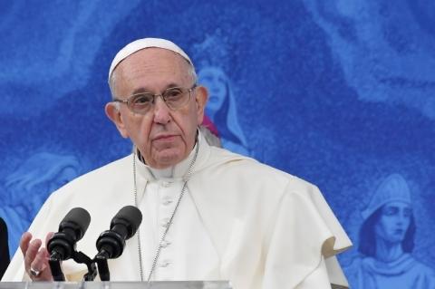 Papa Francisco promete ajudar a Argentina na crise da dívida, diz Fernández