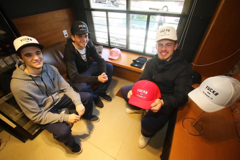 Lorenzo Salvi, Lorenzzo Coletti e Carlos tiveram a ideia na escola
