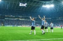 Vitória sofrida contra os argentinos mantém vivo o sonho gremista do tetra