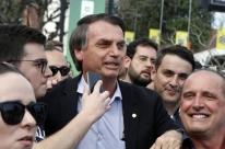 Bolsonaro tem sonda retirada por médicos, diz boletim de hospital