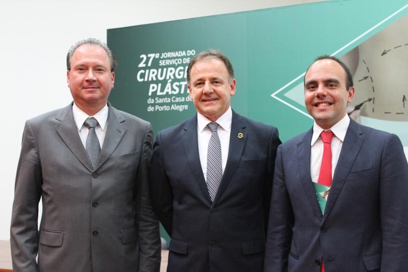 Pedro Bins Ely, Níveo Steffen e Antônio Paulo Pitanguy na 27ª Jornada de Cirurgia Plástica da Santa Casa