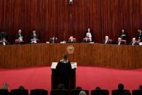 Por 6 votos a 1, TSE indefere a candidatura de Lula