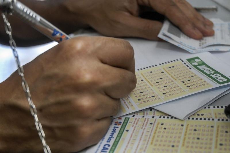 Cartão de aposta de loterias - Mega-Sena