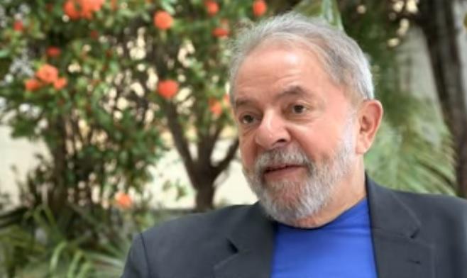 Programa traz entrevista com Lula, que se diz inocente e julgado para evitar o retorno ao governo