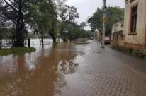 Águas sobem no Guaíba e disparam alerta