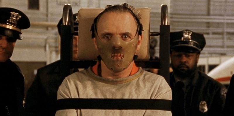 Anthony Hopkins vive Hannibal Lecter em O silêncio dos inocentes