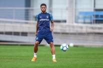 Com problema na panturrilha, André fica de fora por três semanas no Grêmio