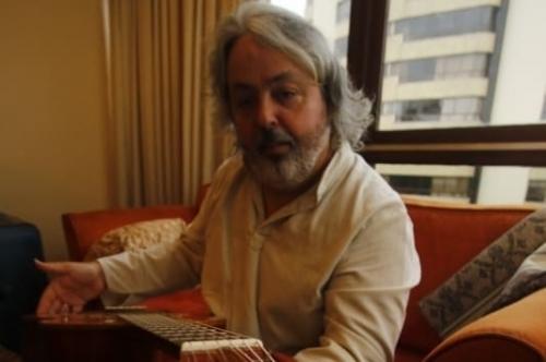 Músico e apresentador comenta o disco Cantos do Sul da Terra