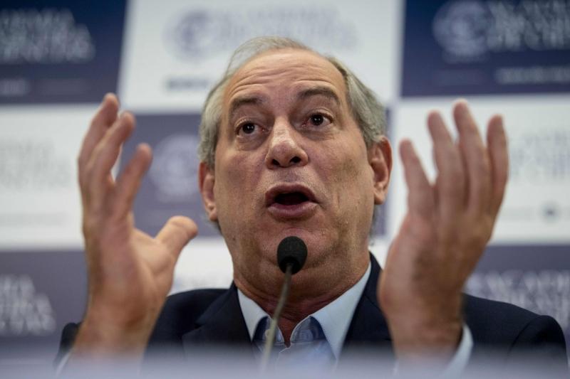 Segundo Ciro, os candidatos precisam 'criar um ambiente' para revogar a regra do teto de gastos