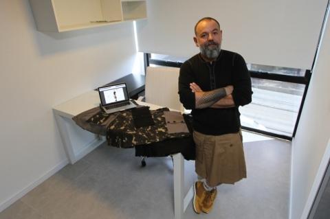 Empreendedor cria marca de saias masculinas em Porto Alegre