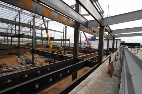 Confiança dos empresários da construção fica estável em janeiro