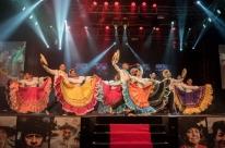 Festival Internacional de Folclore tempúblico de 25 mil pessoas