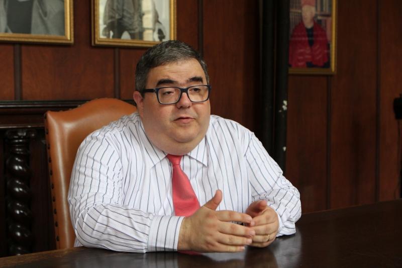 Entrevista com o professor de Direito Constitucional Rodrigo Valin.