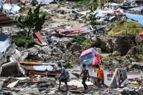 Número de mortos por terremotos e tsunami na Indonésia passa de 1,2 mil