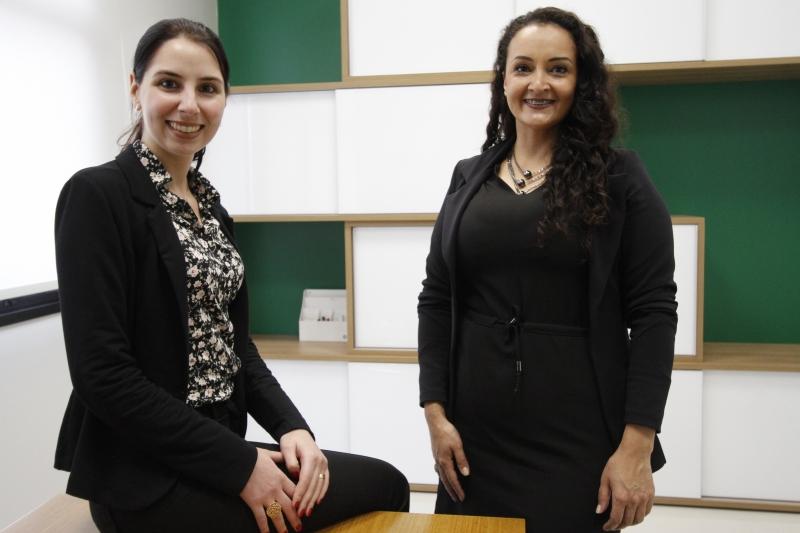 Maria Isabel (esquerda) deu o curso para Juliana, associada e que passou a ir atrás dos sonhos