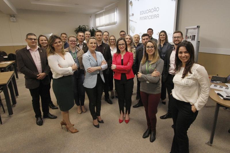 Educadores financeiros recém formados vão disseminar técnicas para associados e comunidade